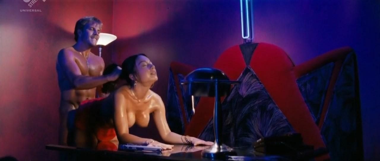 Maria Soccor nude - Shadowboxer (2005)