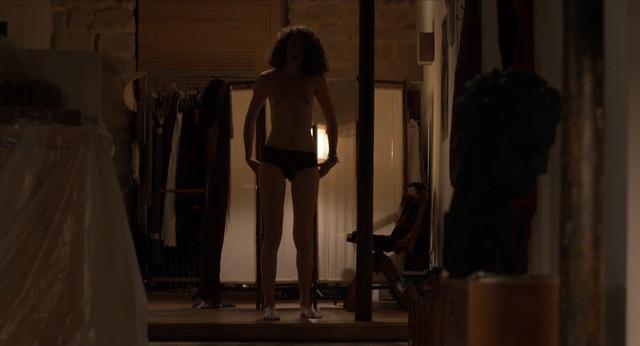 Marie Martins de Sampaio nude - Simon et Suzanne, Ninon (2013)
