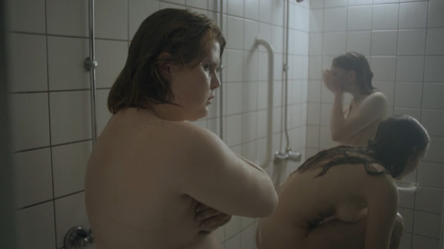 Line Hesdam nude - Lulus forste gang (2016)