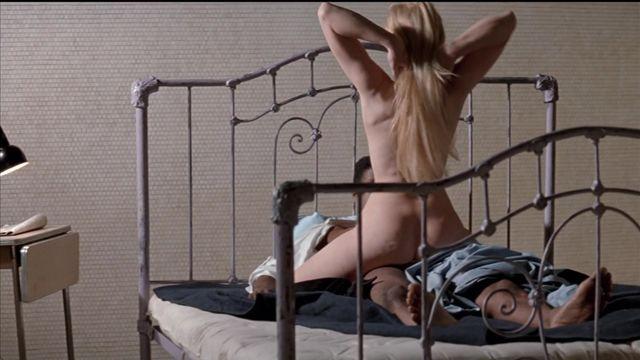 Dona  nackt Linda Linda Blair