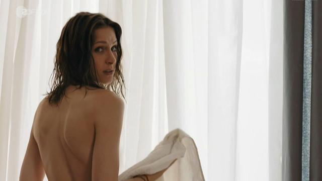 Natalia Belitski nude - Mein vergessenes Leben (2015)