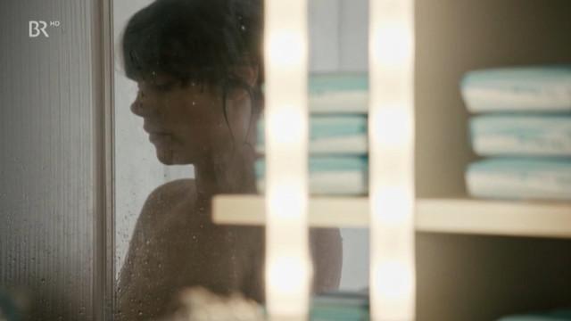 Felicitas Woll nude - Ein schmaler Grat (2013)