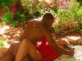 Helen Mirren sexy - Shadowboxer (2005)