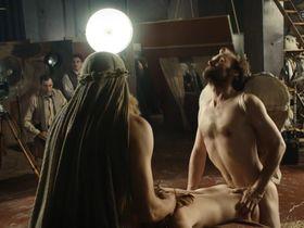 Franziska Holitschke nude - Babylon Berlin s01 (2017)
