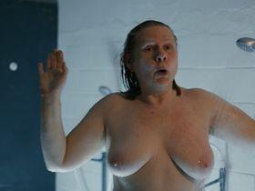 Hildegard Schroedter nude - Nebelwand - Der Usedom Krimi (2017)