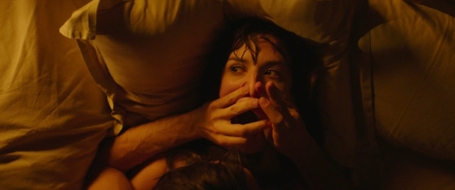 Doria Tillier nude - Mr & Mme Adelman (2017)