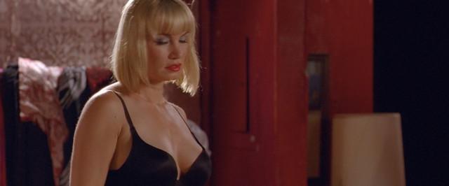 Dominique Swain sexy - Spreading Darkness (2017)