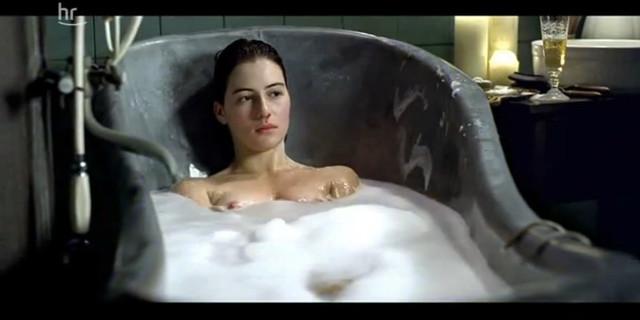 Esther Zimmering nude - Der blaue Affe (2006)