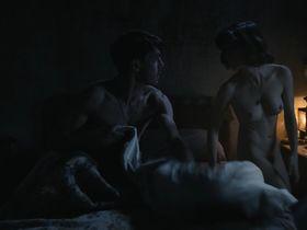 Bruna Cusi nude - Incerta gloria (2017)