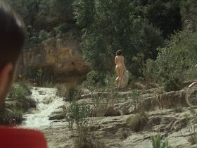 Annes Elwy nude - Philip K. Dick's Electric Dreams s01e02 (2017)