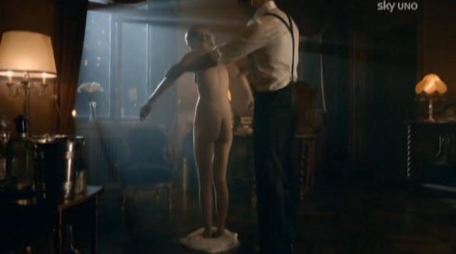 Alina Tomnikov nude - Nymphs s01e07 (2013)