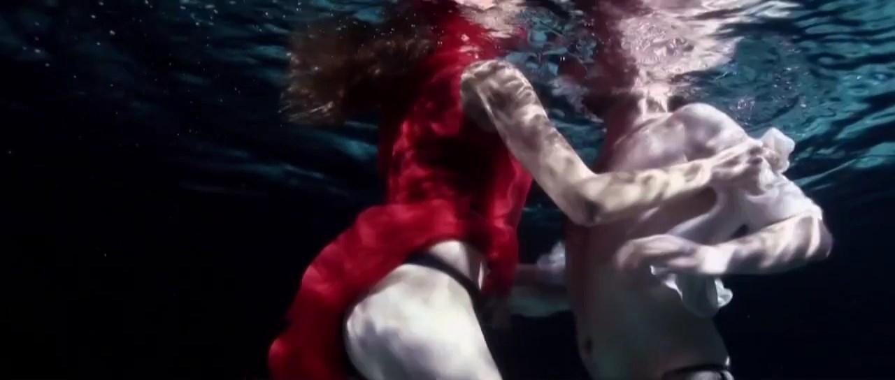 Adriana Feito sexy - Prometeo (2012)