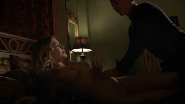 Blair Williams nude - High Heel Homicide (2017)