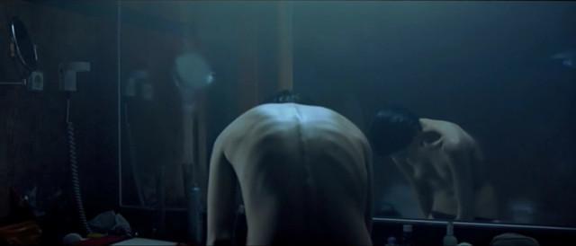 Macarena Gomez nude - Contracuerpo (2005)