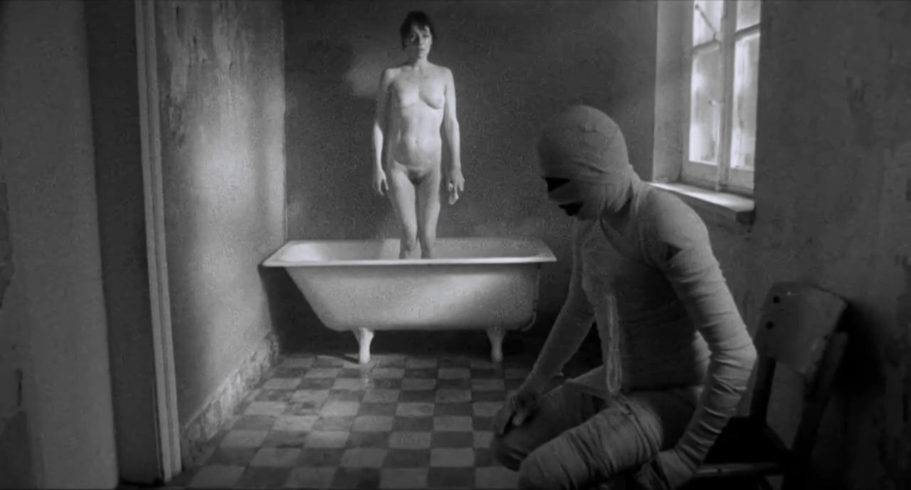 Dolores Bouckaert nude - Hendrik is ziek (2009)