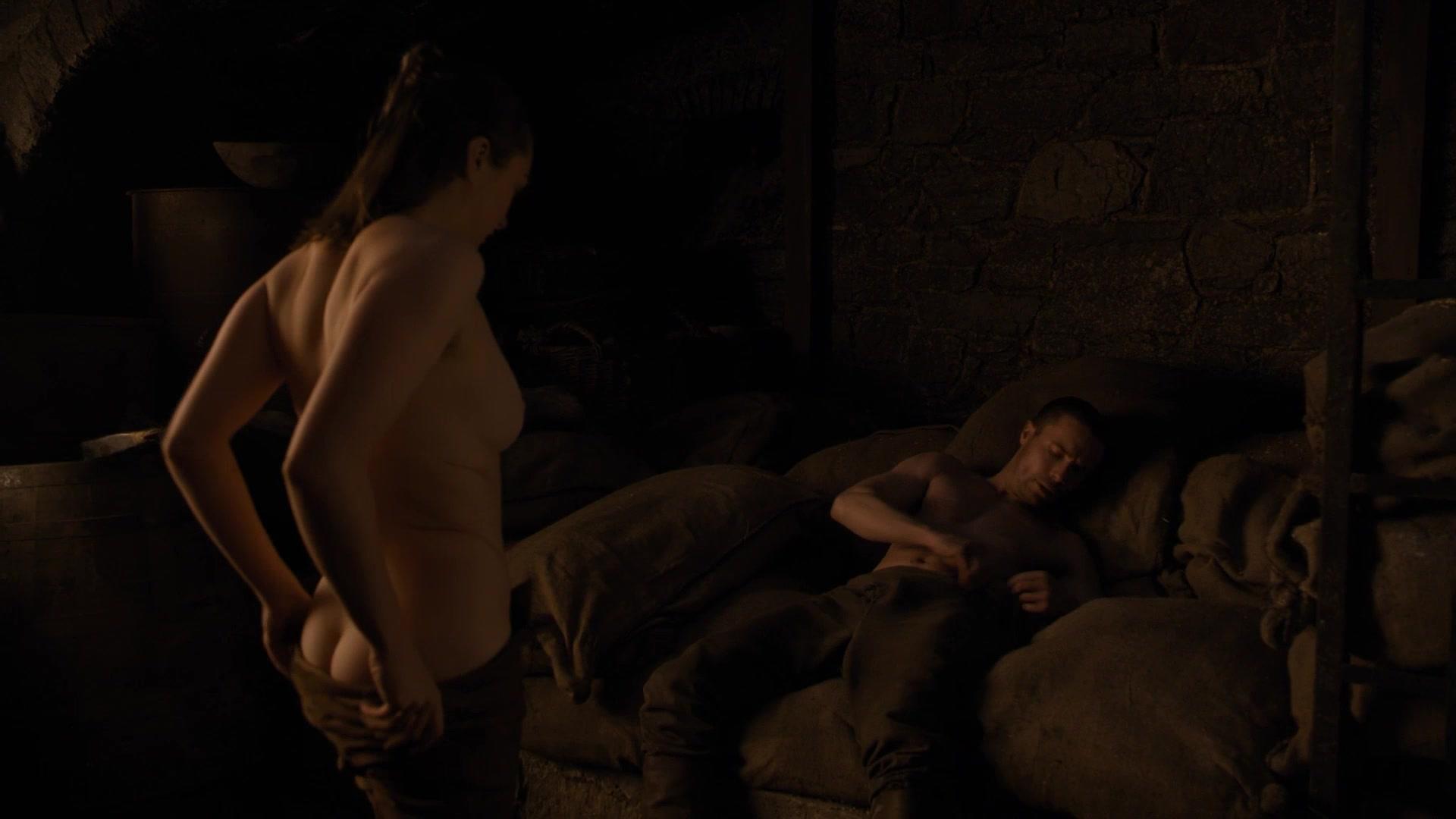 Maisie Williams nude – Game of Thrones s08e02 (2019)