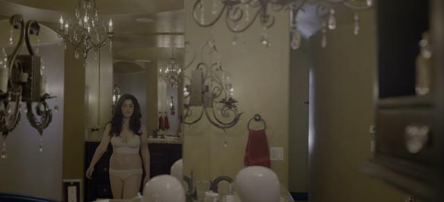 Lilli Kay sexy - Chambers s01e04 (2019)