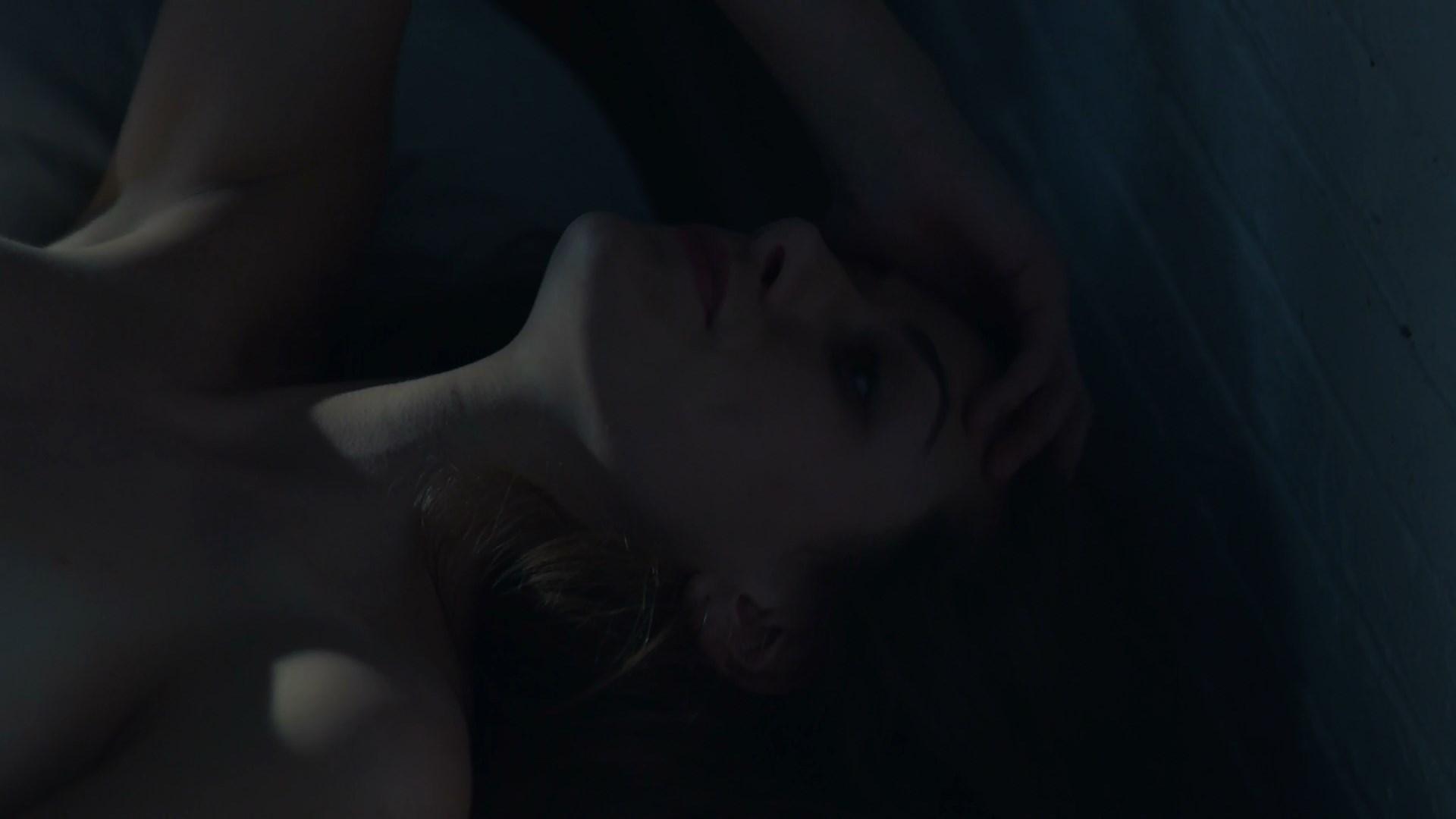 Perry Mattfeld sexy - In the Dark s01e01 (2019)