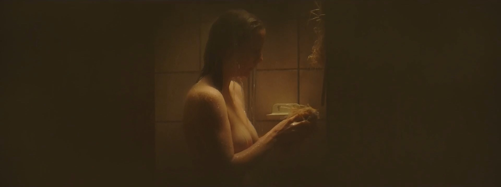 Leonie Nude