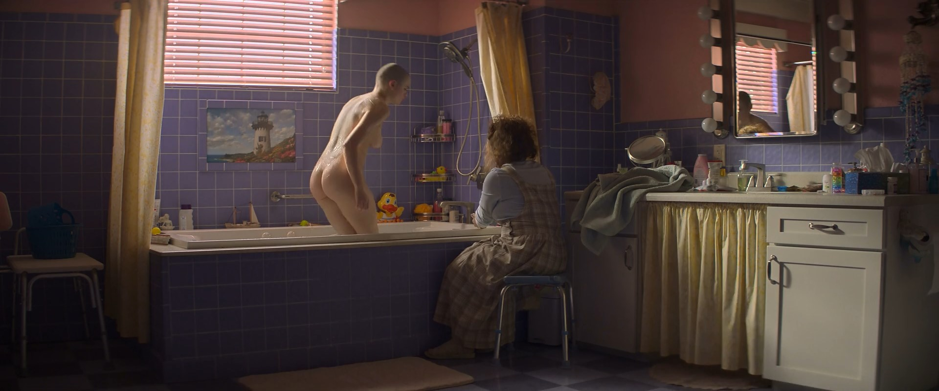 Joey King nude - The Act s01e04 (2019)