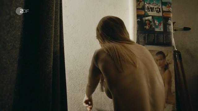 Farina Flebbe sexy - Walpurgisnacht - Die Madchen und der Tod (2019)