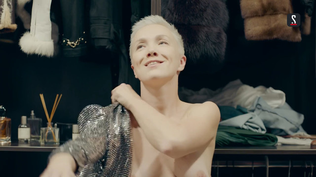 Darya Moroz nude - Soderzhanki s01e01 (2019)