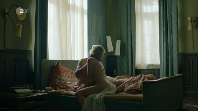 Friederike Ott nude - Bella Germania s01e01 (2019)