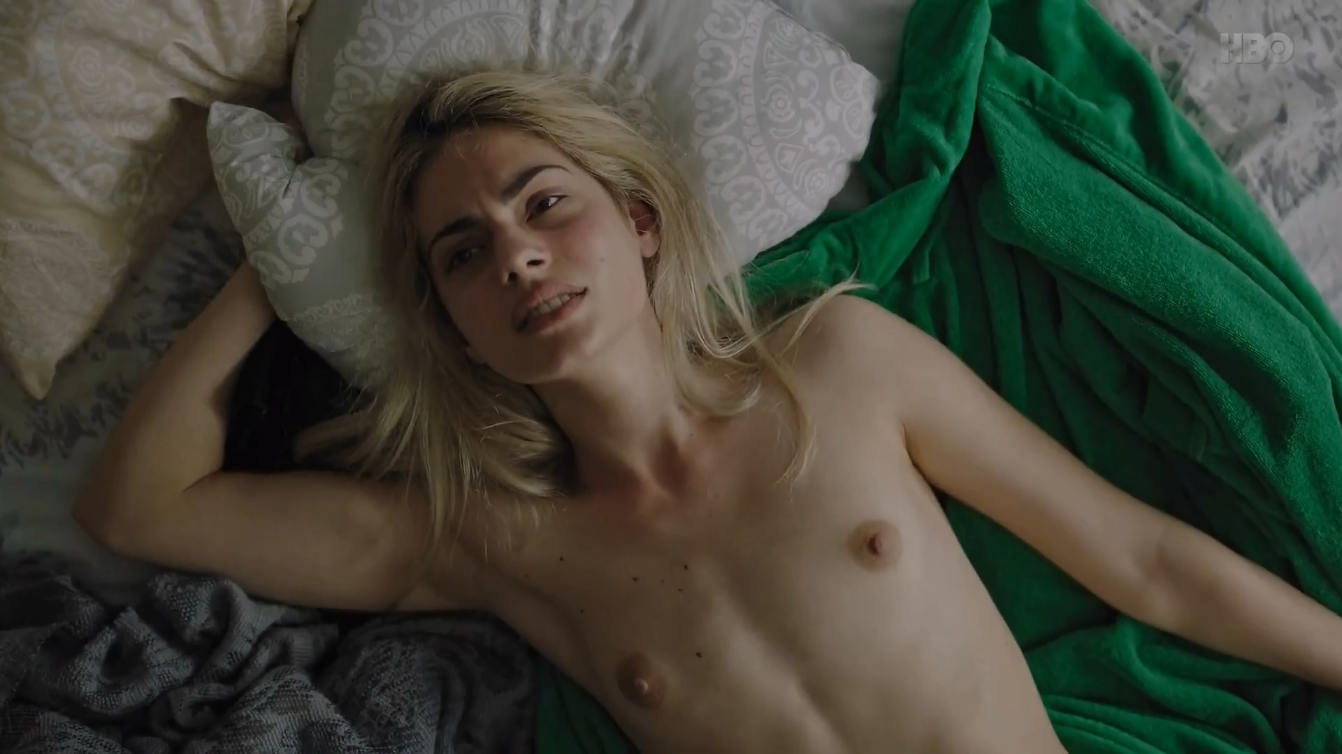 Tara Thaller nude - Uspjeh s01e04 (2019)