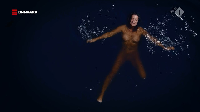 Malou Gorter nude - Oogappels s01e02 (2019)