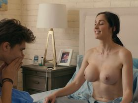 Catherine Reitman nude - Workin' Moms s03e03 (2019)
