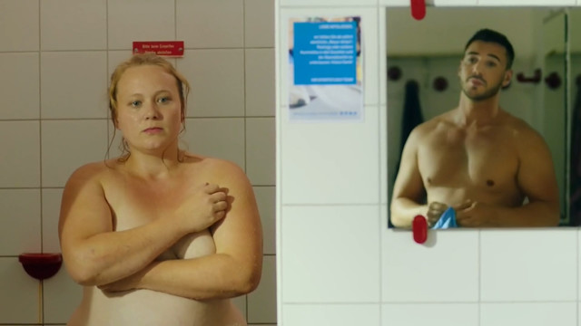 Katharina Kempter nude - Bauch Beine Flo (2018)