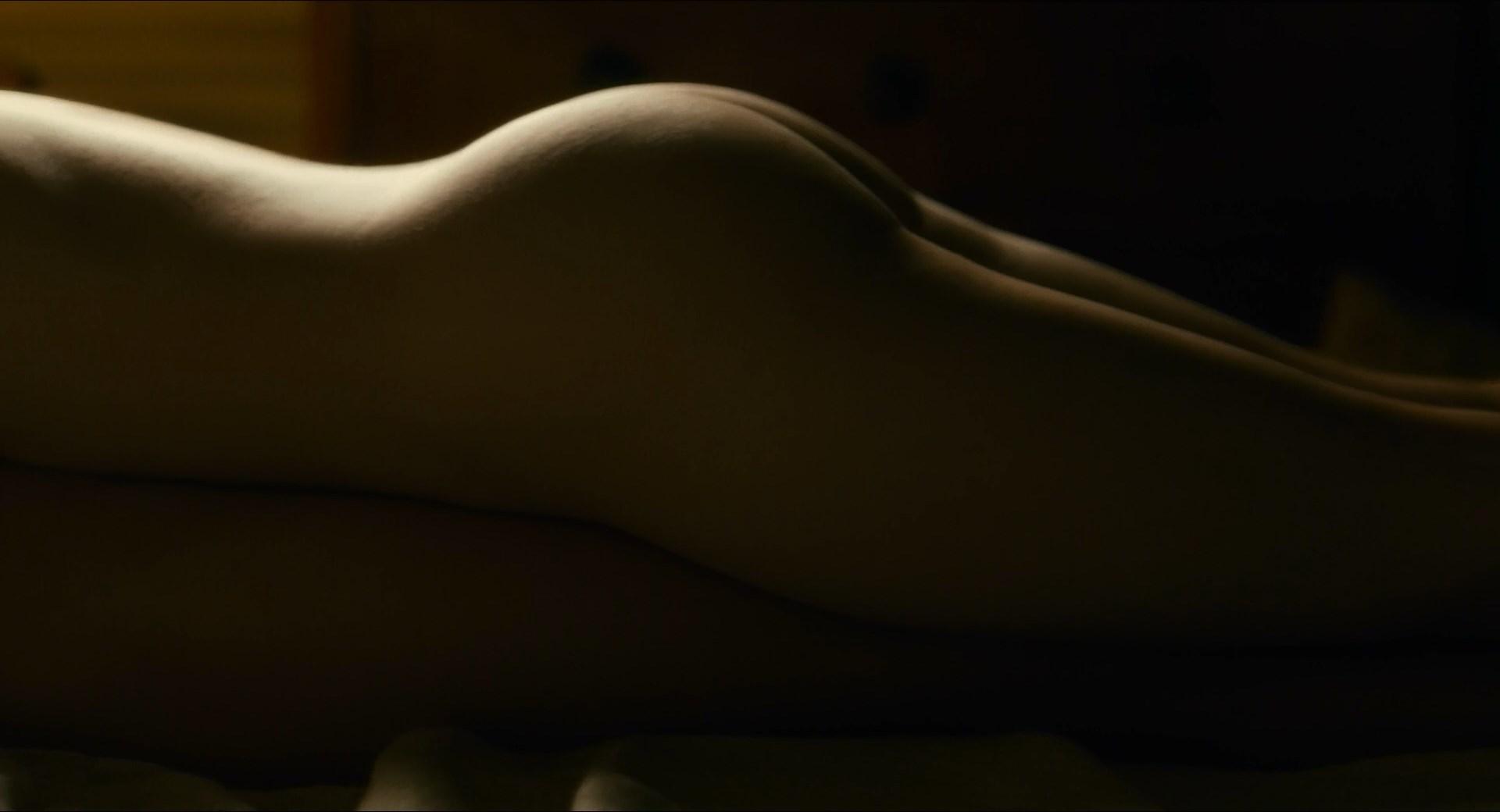 Paula Revee  nackt