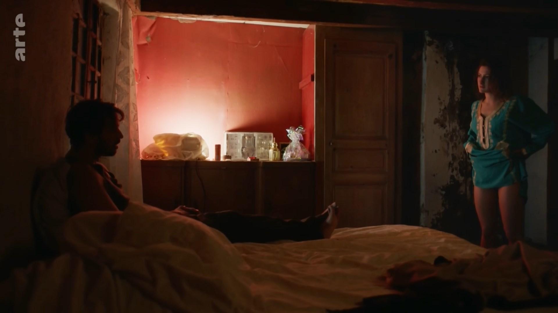 Lola Creton sexy - Devoilees (2018)