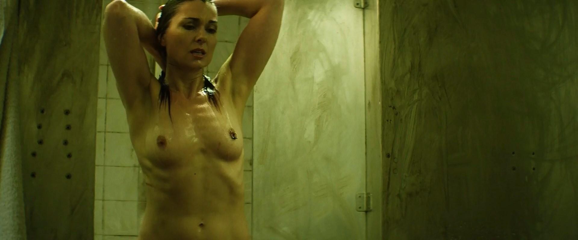 Katarina Leigh Waters nude - Redcon-1 (2018)