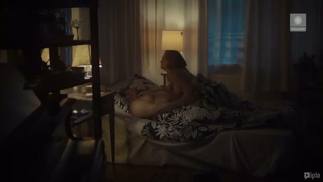 Karolina Chapko nude - Slad s01e13 (2018)