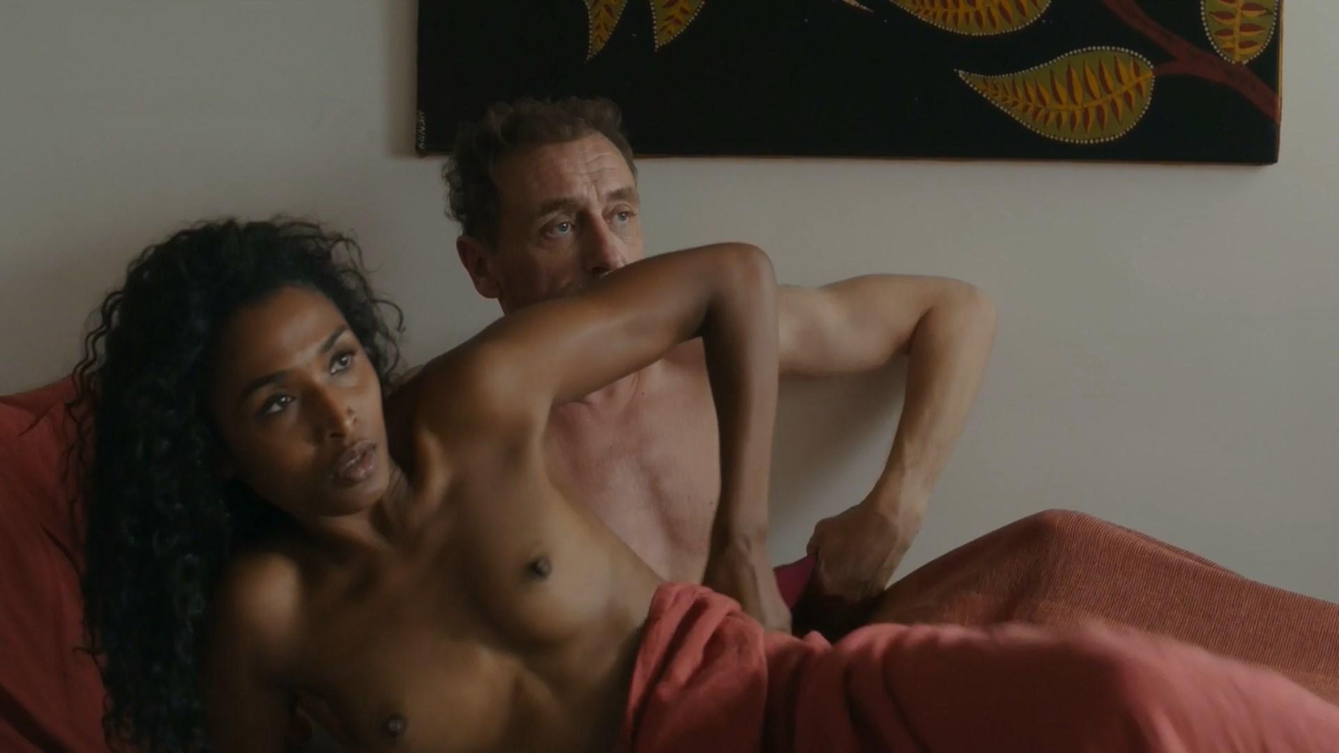Sara Martins nude - Voyez comme on danse (2018)