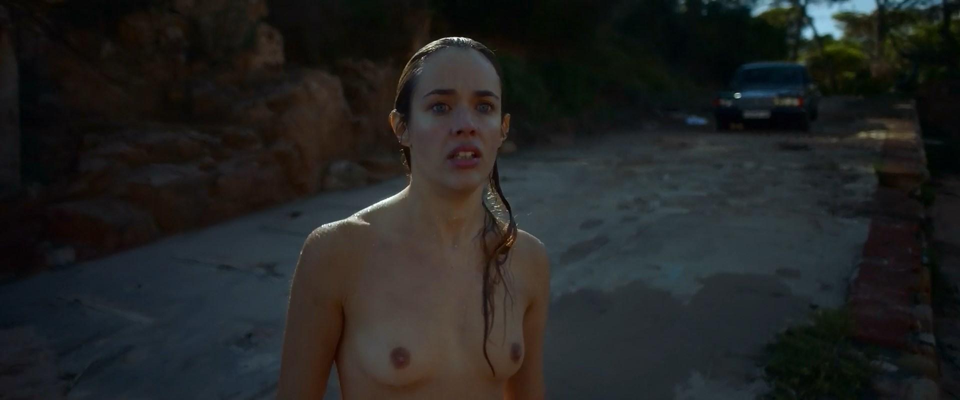 Lucia Delgado nude - El arbol de la sangre (2018)