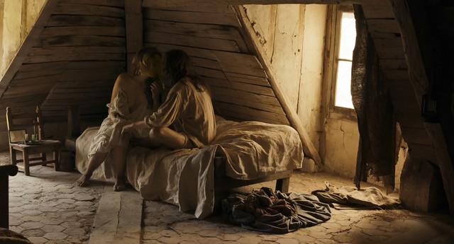 Adele Haenel nude - Un peuple et son roi (2018)