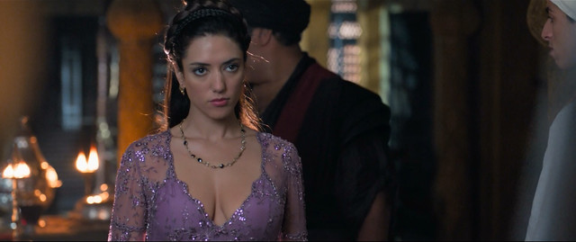 Vanessa Guide sexy - Alad'2 (2018)