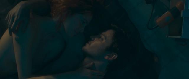 Liz Solari nude - The Last Man (2018)