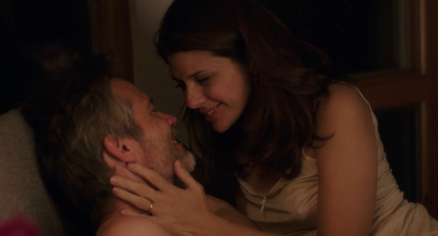 Marisa Tomei sexy - Dark Was the Night (2018)