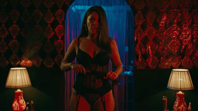 Andy Romero sexy - The Mechanism s02e05 (2019)