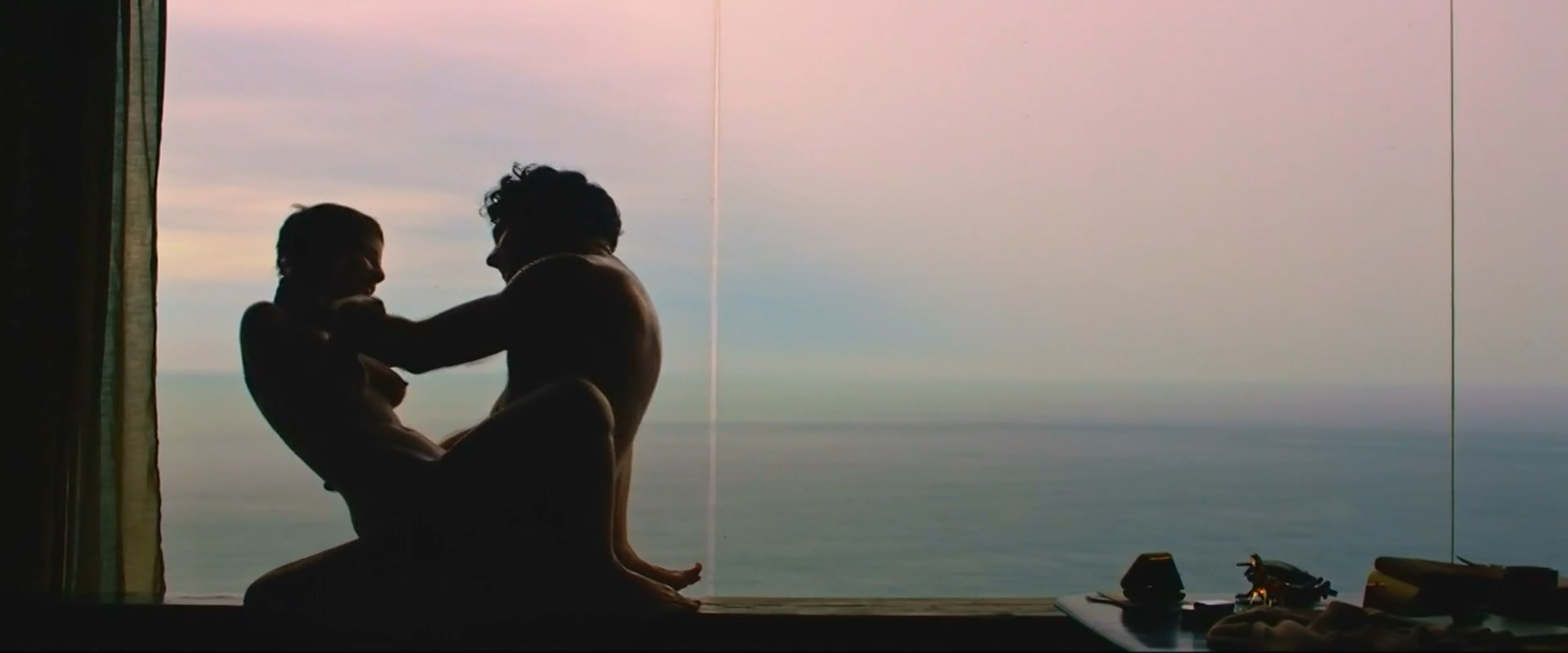 Andreia Horta nude - Elis (2016)