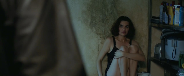 Ana Luiza Rios nude - The Cannibal Club (2018)