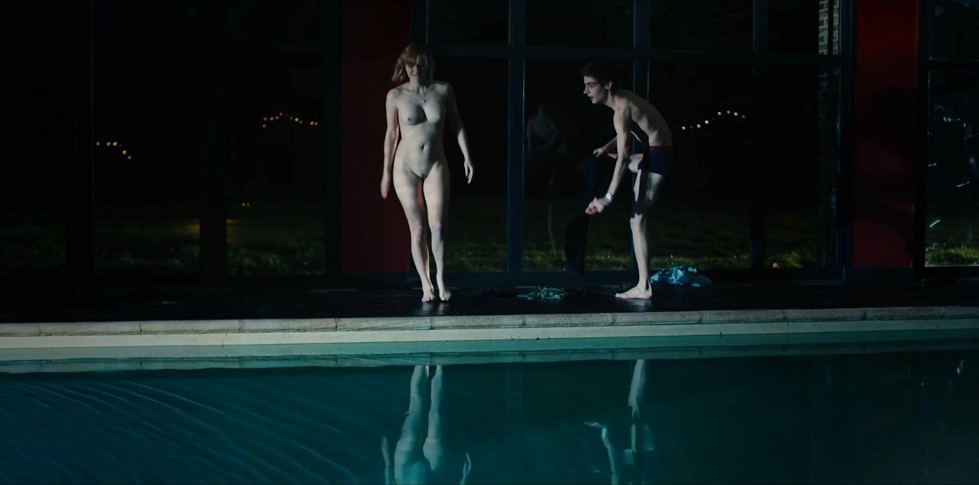 Camille Razat nude - De l'eau dans les yeux (2017)