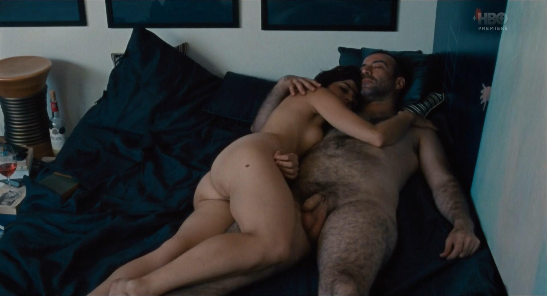 Ioana Iacob nude - Imi este indiferent daca in istorie vom intra ca barbari (2018)