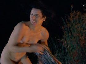 Inga Busch nude - Einfach raus (1999)