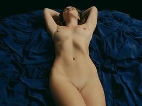 Kristy McQuade nude - Les Fleurs (2014)