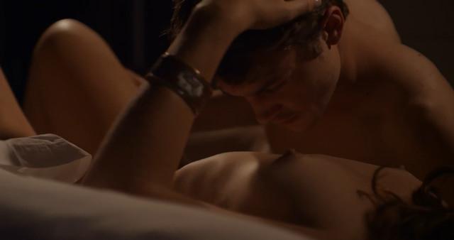 Eloise Valli nude - Folle d'amour (2017)