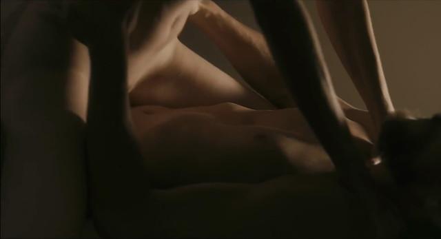 Sabrina Greve nude - O Duplo (2012)